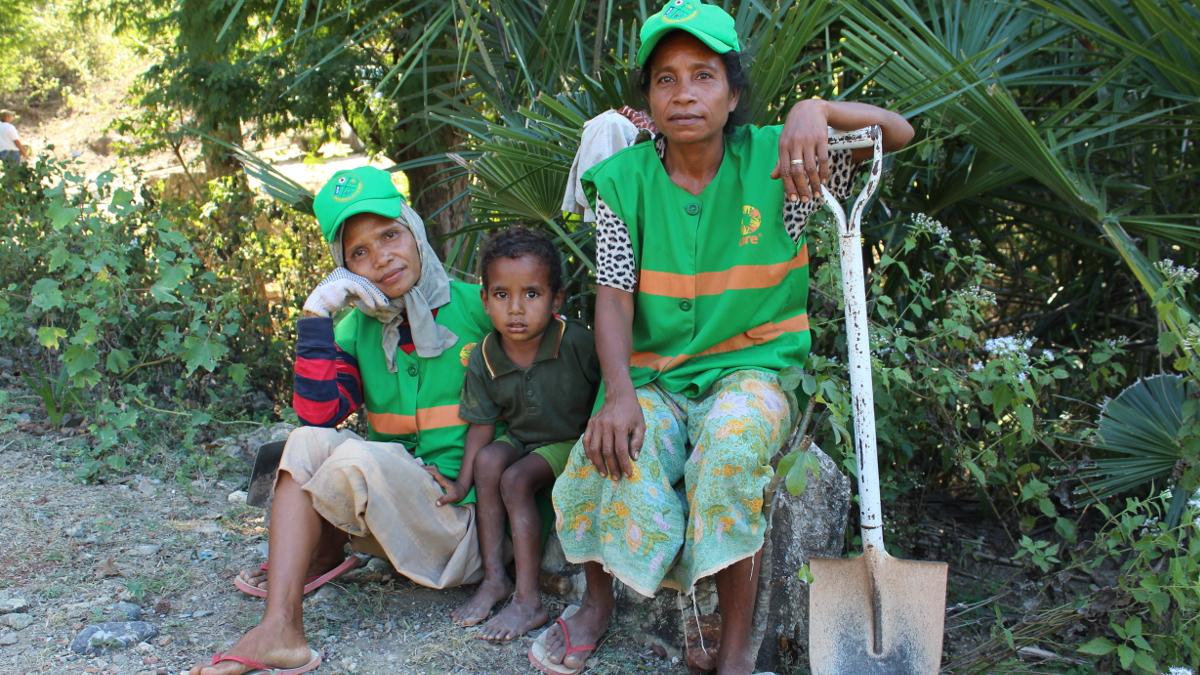 Road workers in Bobonara, Timor-Leste - for ADB